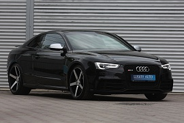 Audi RS5  4WD